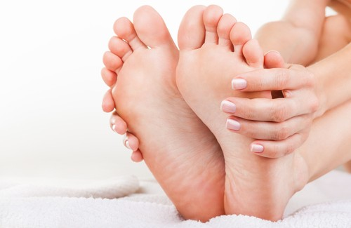 How to Treat Foot Odour Naturally