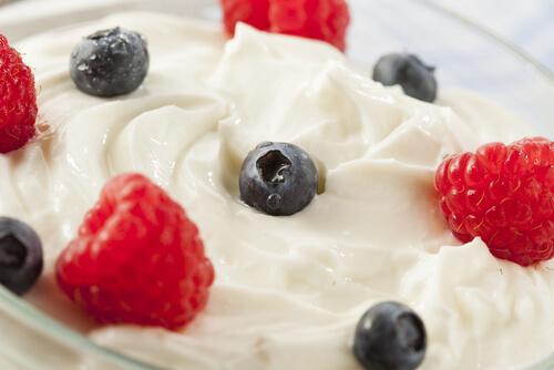 frozen fruit and yoghurt