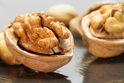 1walnuts