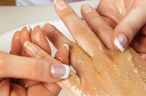 4 Easy Ways to Exfoliate Hands and Arms