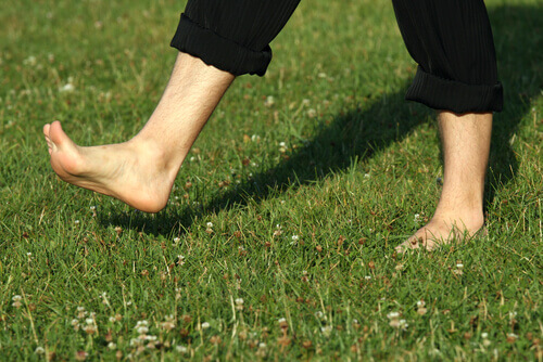 The Benefits of Going Barefoot