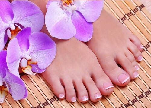 Natural Remedies for Healthy and Pretty Feet