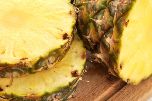 Four Delicious Medicinal Drinks Made With Pineapple Juice