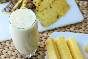 2-pineapple-smoothie-6
