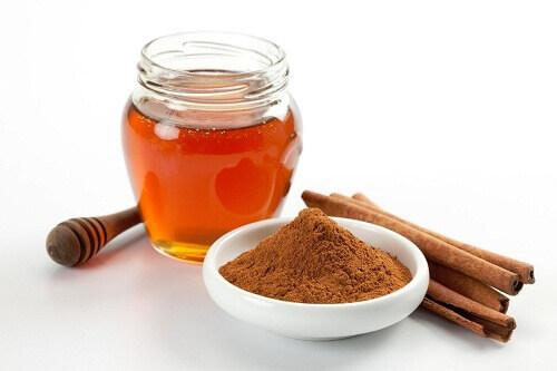 7 Benefits of Consuming Cinnamon and Honey